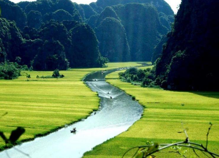 Hanoi – Hoa Lu – Tam Coc – Mua Cave