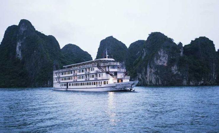 Huong Hai Sealife Cruise Halong