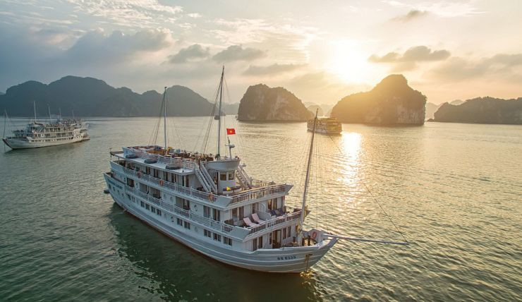 Paradise Luxury Classic Cruise Ha Long