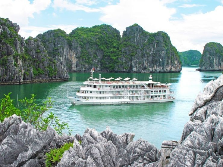 Au Co Cruise Ha Long