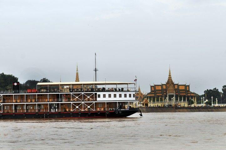 Pandaw Mekong Cruise: Saigon – Siem Reap