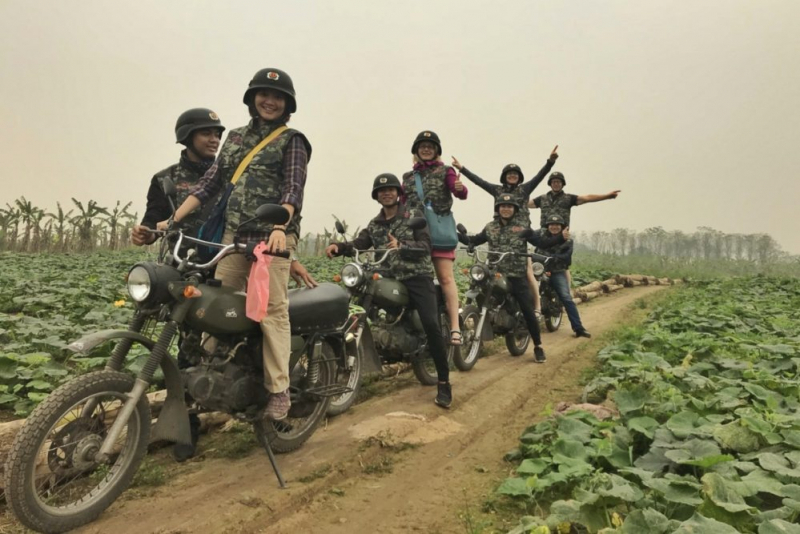 Hanoi Food, Culture, Sight & Fun on Vintage Motorbike & Jeep