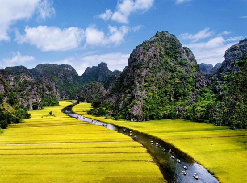 Hanoi – Hoa Lu – Tam Coc- Hanoi