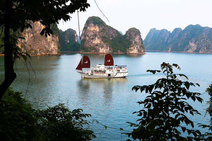 La Fairy Sails Halong