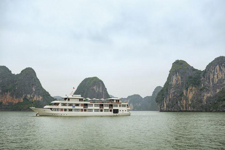 La Vela Cruise Halong