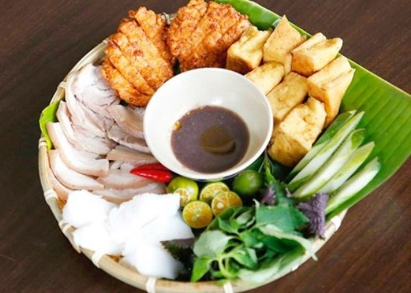 Must-try street food in Hanoi: Bun Dau Mam Tom | ALO Travel Asia