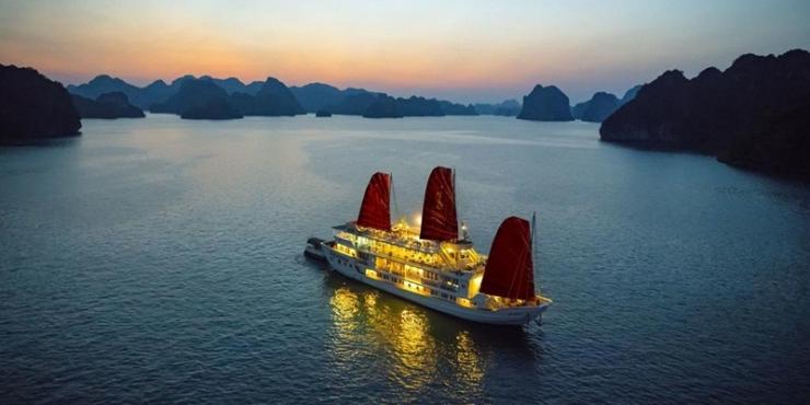 Syrena Cruise Halong