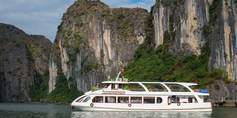 Alova Premium Halong Bay Day Cruise