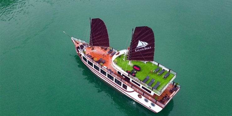 Lan Ha Bay Day Cruise with Escapes Sails