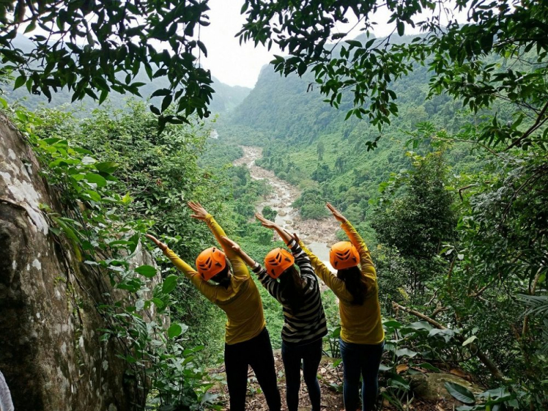 Adventure Tour: GIENG VOOC CAVE – Jungle Trekking And Hiking
