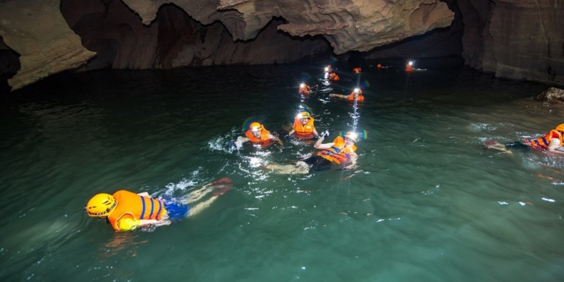 2D1N ADVENTURE TOUR IN HANG VOM CAVE