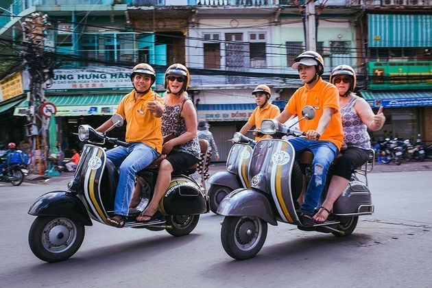 VESPA TOUR | GLIMPSE OF SAIGON