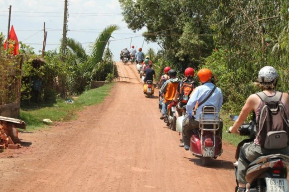 VESPA TOUR | A Glimpse Of The Mekong