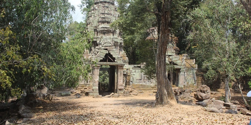 VESPA ADVENTURES | Beyond Angkor