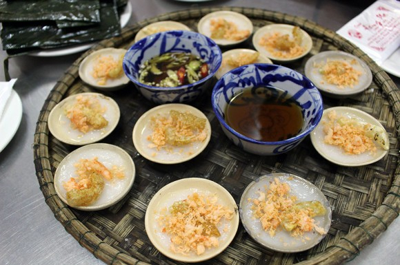 VESPA TOUR   Streets & Eats Of Hue